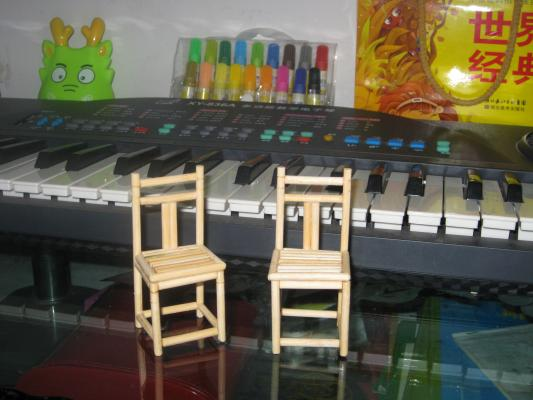 易拉罐做的桌椅