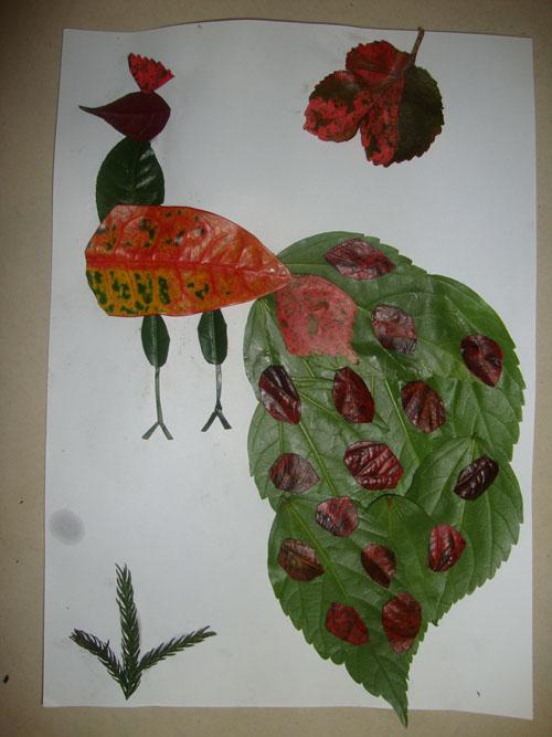 树叶画:孔雀开屏和长颈鹿