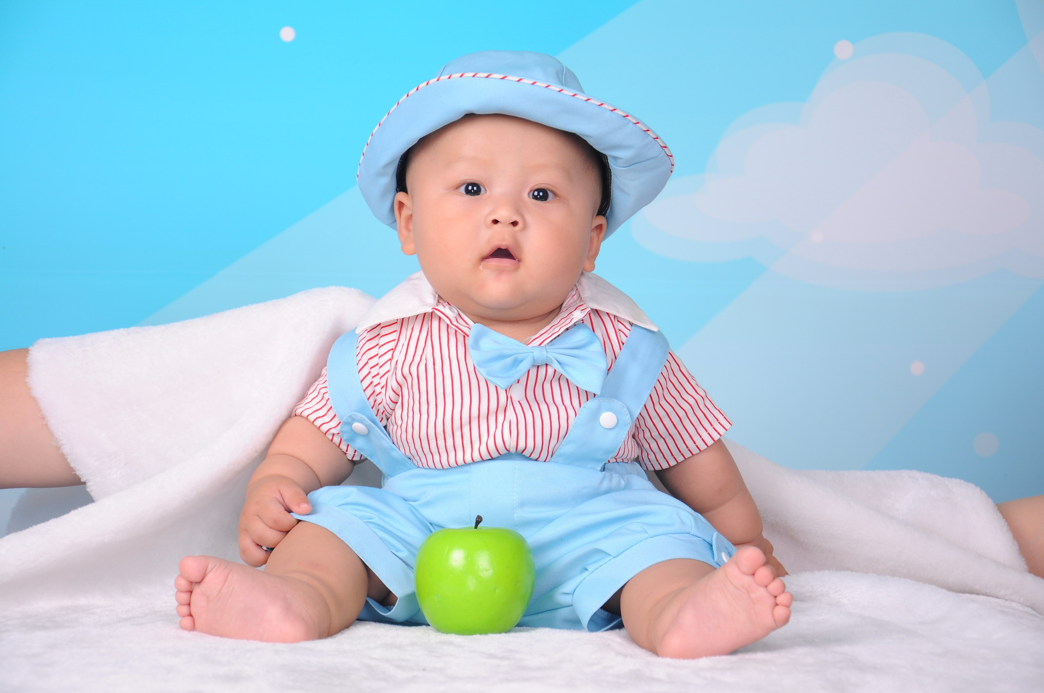 附宝宝可爱图,即将周岁宝宝摄影支招