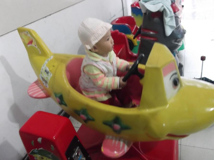 宝宝最爱摇摇车图片